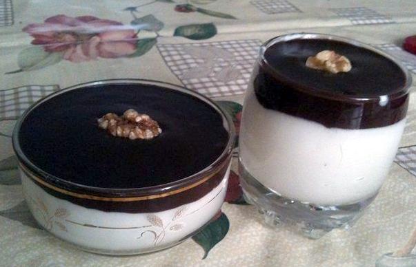 Десерт из молока с шоколадом