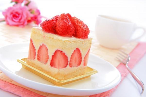Тортик из ягод и фруктов, совсем мало калорий