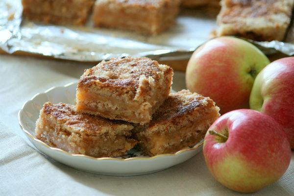 Пирог насыпной с яблоками