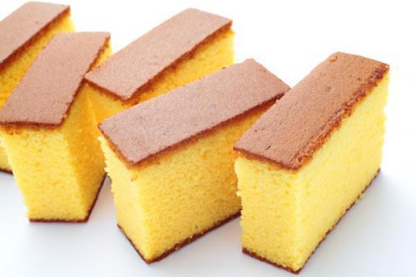 Кусочки бисквита для приготовления десертов