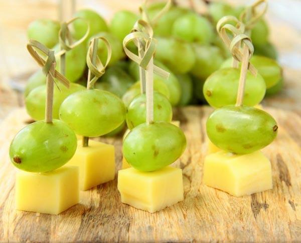 Десертное канапе из винограда