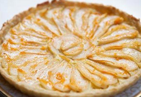 Красивый и нежный пирог с грушей.