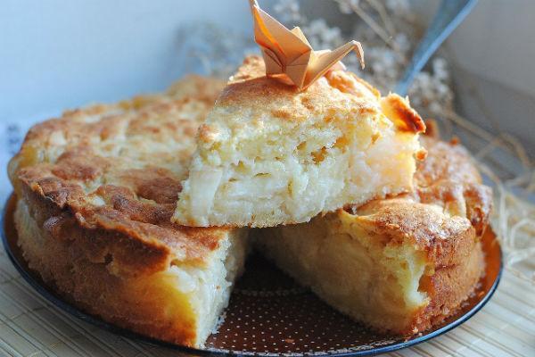 Кусочек пирога с творогом и яблоками