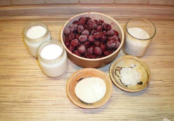 Ингридиенты для вишневого желе из замороженных ягод