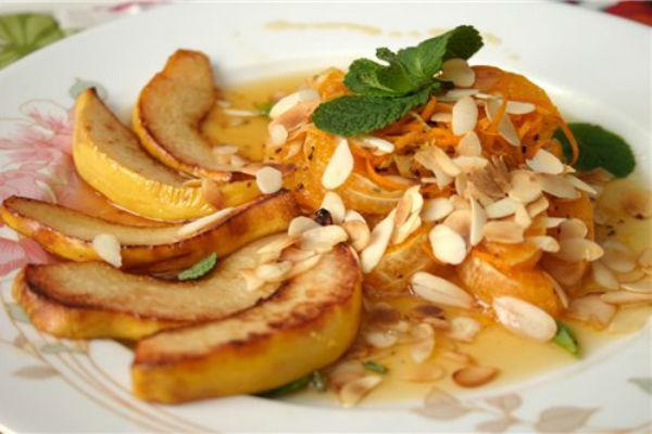 Запеченная айва с мандаринами