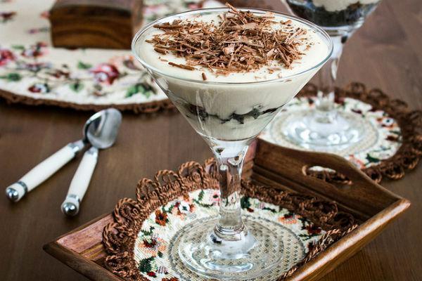 Десерт с черносливом и шоколадом