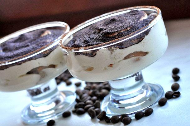 Кофе с мороженым в креманке