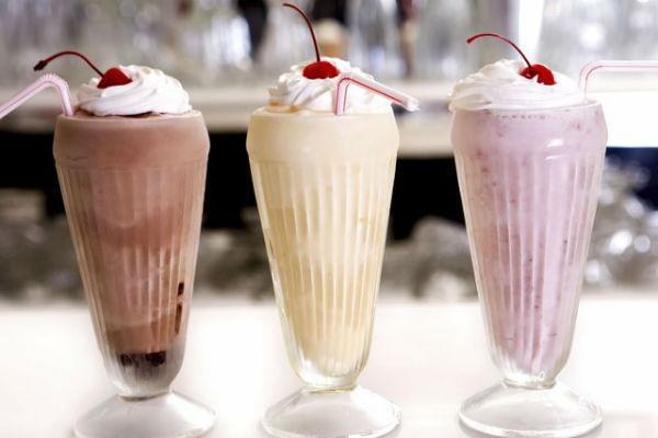 Молочные коктейли с мороженым