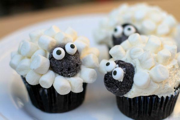 Пирожное в виде овечки