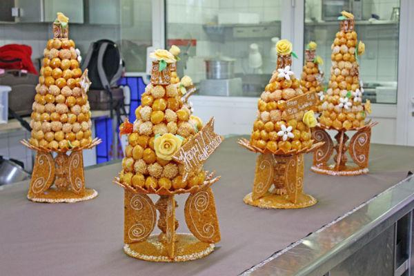 Новогодний французский торт Крокембуш