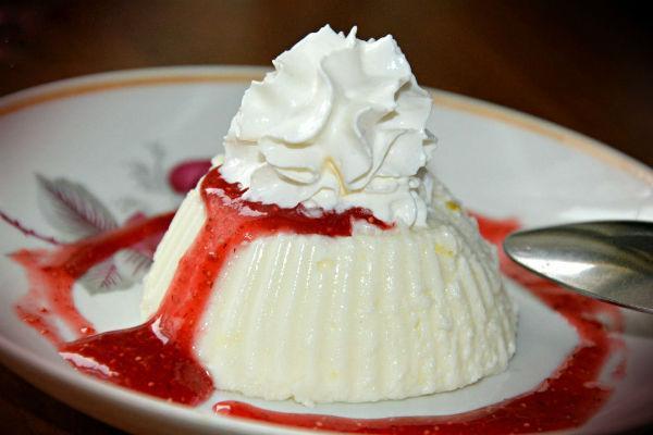 Творожный мусс с ягодами