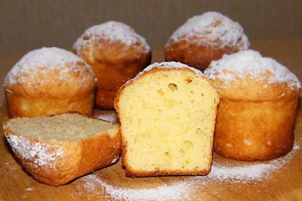 как приготовить десерт с добавлением сметаны и изюма