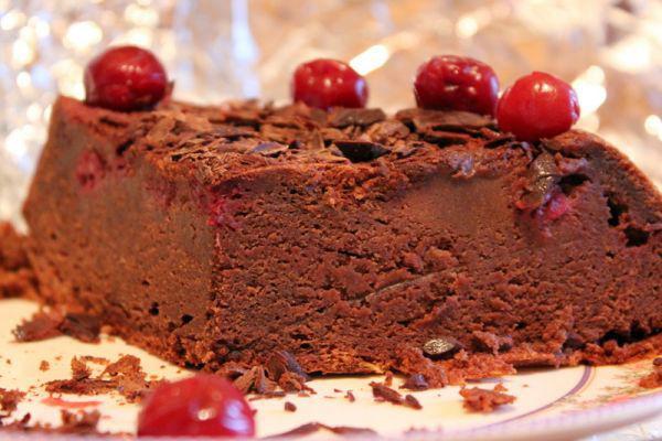 Шоколадный торт с вишней 2