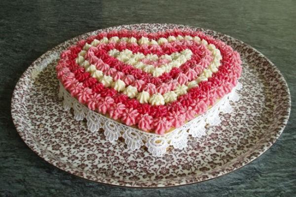 Торт в виде сердца 2