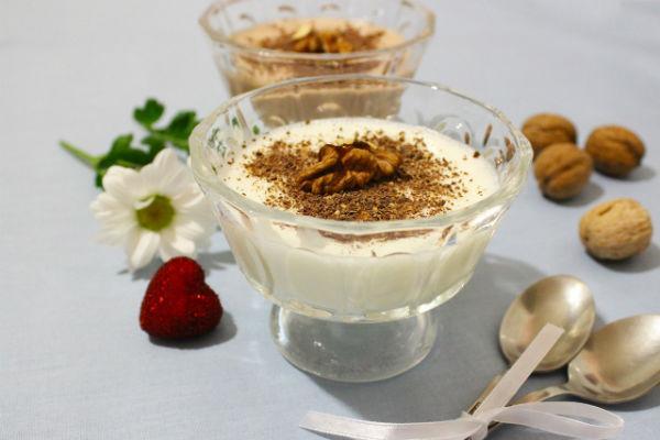 Сметанное желе с орехами