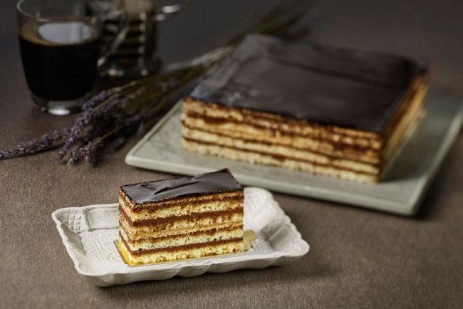 Классический десерт «Опера».