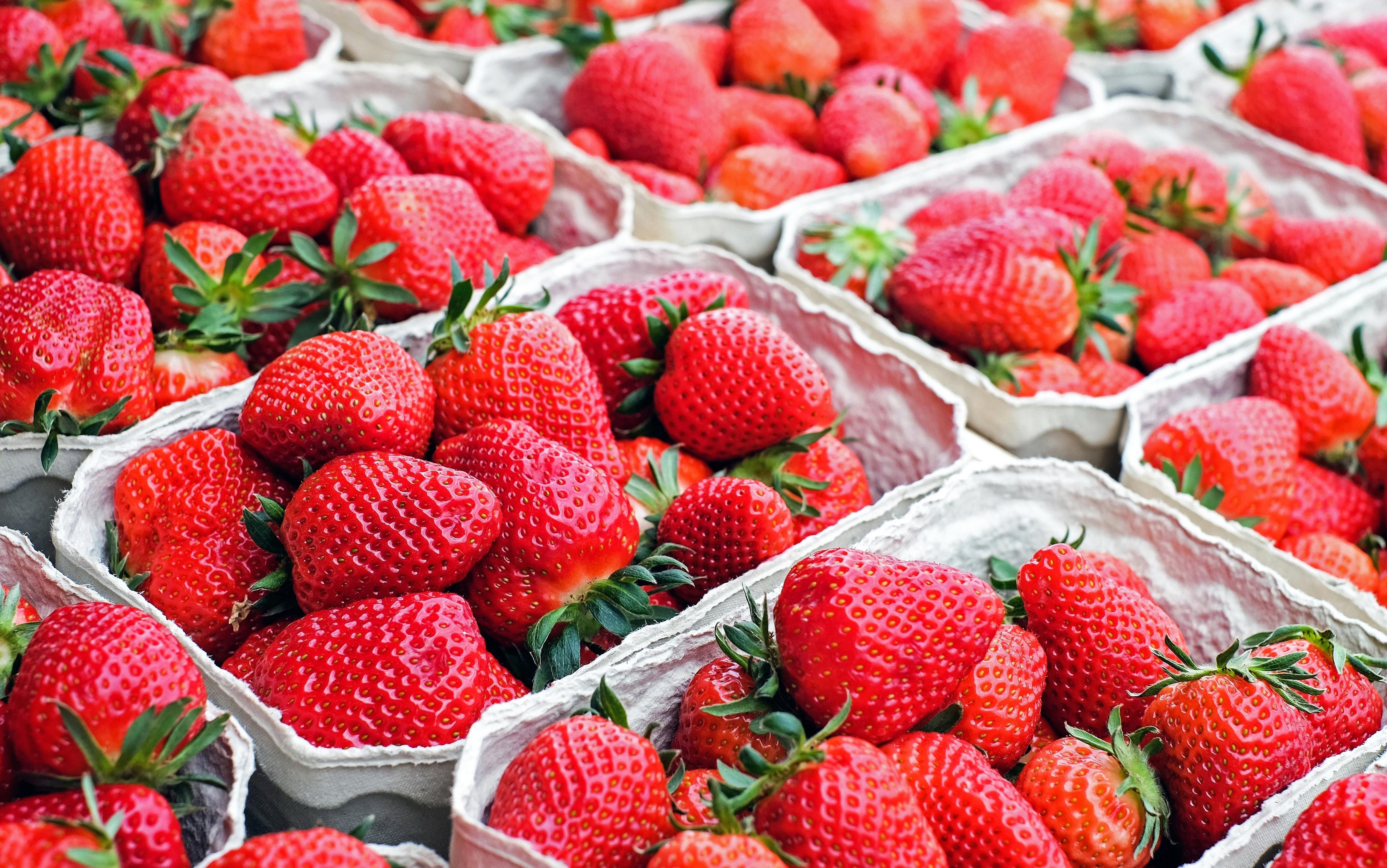 На что обратить внимание при покупке ягоды - упаковка - фото