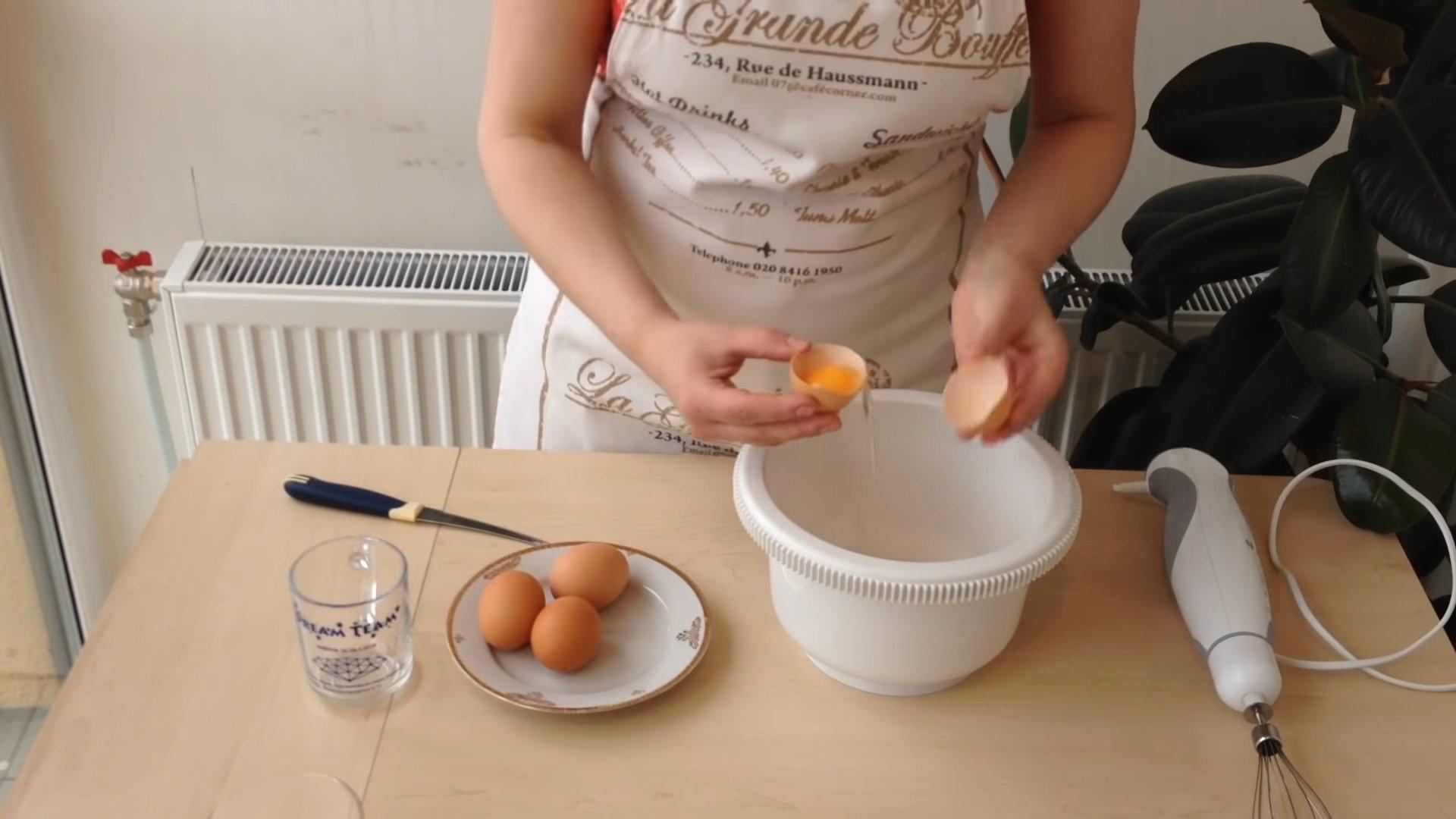 Рецепт - Белковый крем для торта - шаг 4